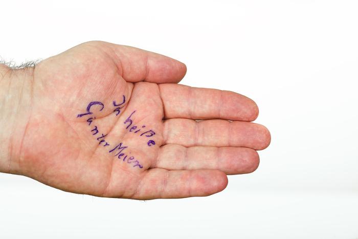 Alzheimer - manchmal helfen nur Notizen, um nicht die einfachsten Dinge zu vergessen.