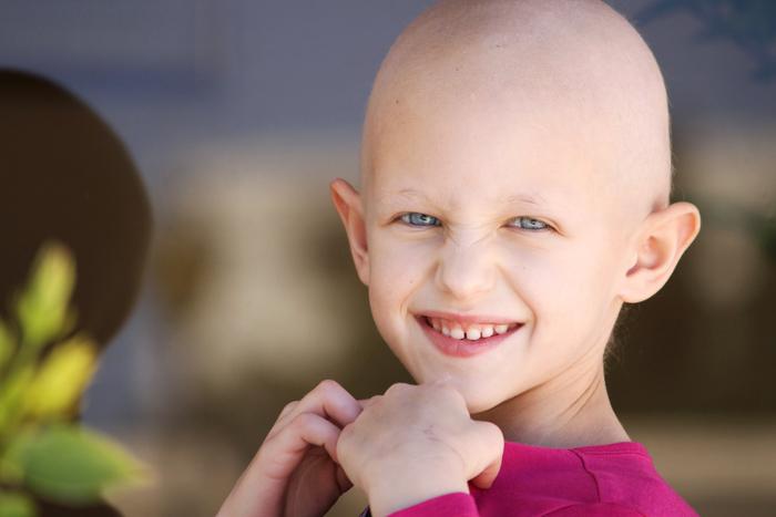 Mädchen mit Krebserkrankung